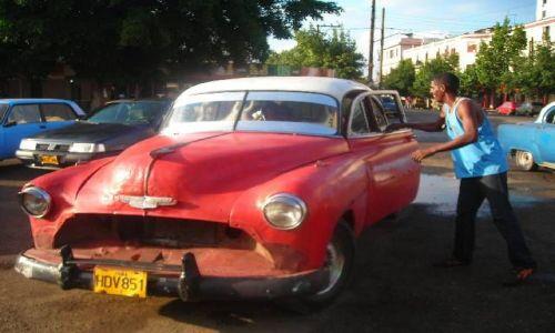 Zdjecie KUBA / Havana / Havana / Taksowka na cha