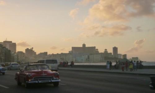Zdjęcie KUBA / Hawana / Hawana / Zachód Słońca na Malecon