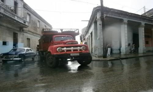 Zdjecie KUBA / Havana / Havana / Havana w Deszczu