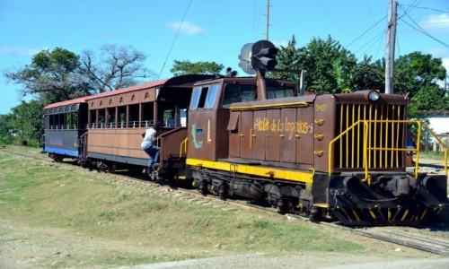 Zdjęcie KUBA / xxx / Santa Clara / Zdążyć na pociąg
