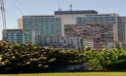 Zdjęcie KUBA / xxx / Hawana / Straszący budynek