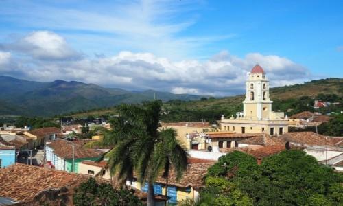 Zdjęcie KUBA / południowo-środkowa Kuba / Trinidad / Widok z wieży na wieżę