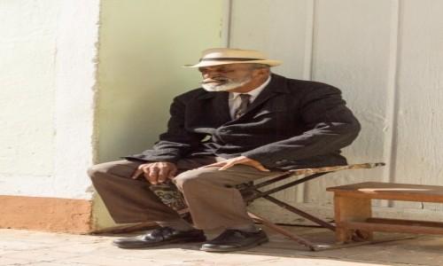 Zdjęcie KUBA / Sancti Spiritus / Trinidad / Kubański emeryt