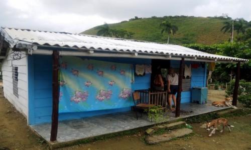 Zdjecie KUBA / południowa Kuba / w drodze do Tinidadu / Domek w górach
