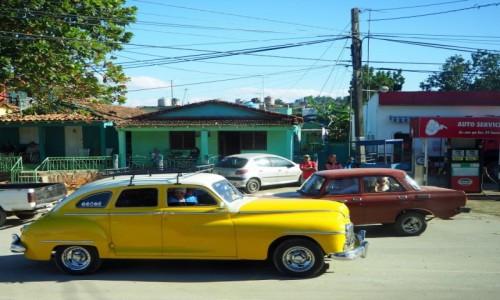 Zdjecie KUBA / południowa Kuba / w drodze do Tinidadu / W miasteczku gdzieś po drodze