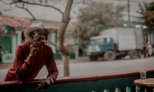 Zdjęcie KUBA / Dolina Vinales / Vinales / Gdzieś na kubańskiej ulicy