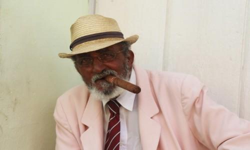 Zdjecie KUBA / - / Trinidad / pewien kubański dżentelmen