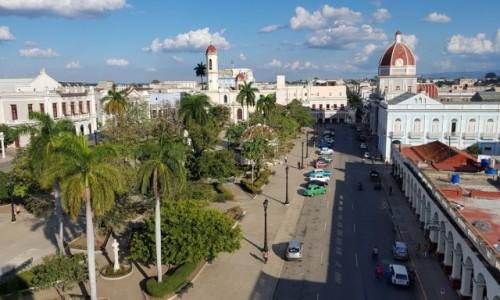 Zdjecie KUBA / południowe wybrzeże / Cienfuegos / Francuski szyk