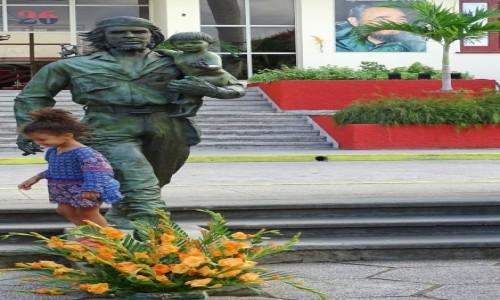 KUBA / Prowincja Villa Clara / Santa Clara / Che i dziecko