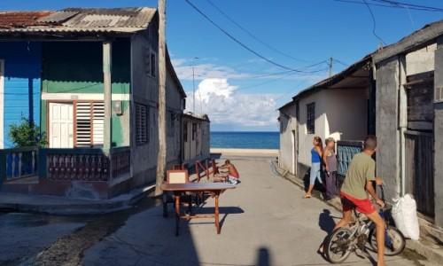 KUBA / wschodni kraniec wyspy / Baracoa / Scenki uliczne - Baracoa