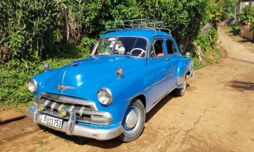 KUBA / wschodni kraniec wyspy / Baracoa / Trzy kolory: niebieski ;-)