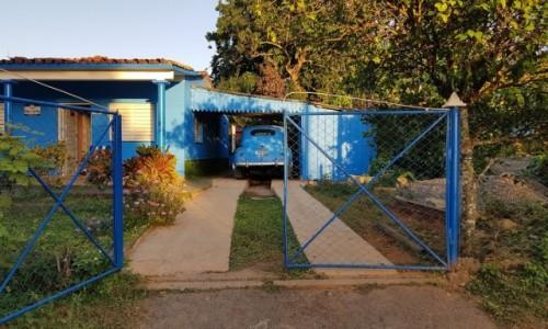 Zdjecie KUBA / Pinar del Rio /  Viñales / Trzy kolory: niebieski cz.2   ;-)