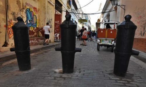 KUBA / Stolica / La Habana / La Habana, tam nie trzeba pistoletów