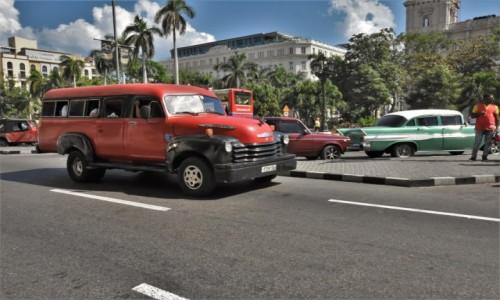 Zdjecie KUBA / Stolica / La Habana / La Habana kubańskie auta