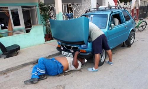 Zdjecie KUBA / Varadero / Santa Marta / Fiat 126p na Kubie