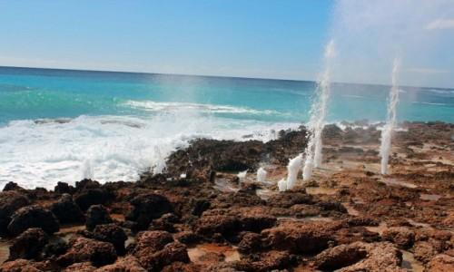 Zdjecie KUBA / Santiago de Cuba / Niedaleko hotelu Carisol los Corales / Blow holes (pseudo-gejzery)
