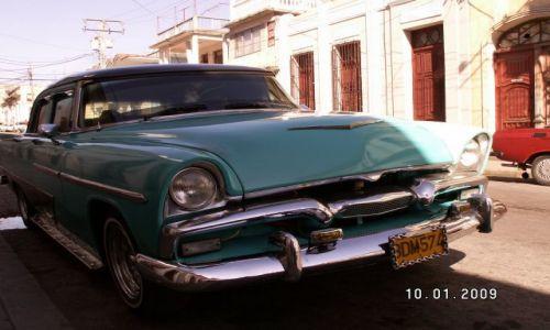 KUBA / południowe wybrzeże / Cienfuegos / autko:)