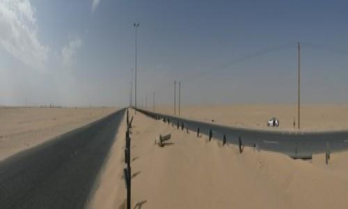 Zdjęcie KUWEJT / Al-Ahmadi / Wafra / Pustynna droga