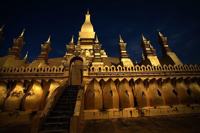 Zdjęcia: Wat That Luang, Vientiane, bogowie chca zlota, LAOS