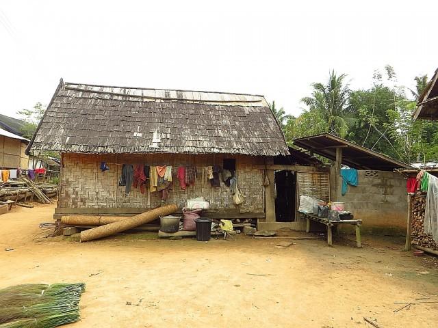 Ban That Laos  City pictures : Zdjęcia: wioska Ban Hat Sao, Laos północny, wiejska zabudowa, LAOS