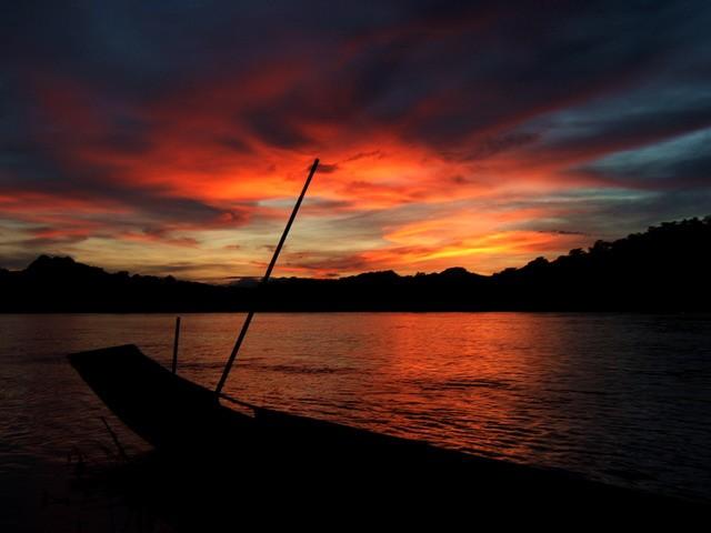 Zdjęcia: Luang Prabang, łodzie, LAOS