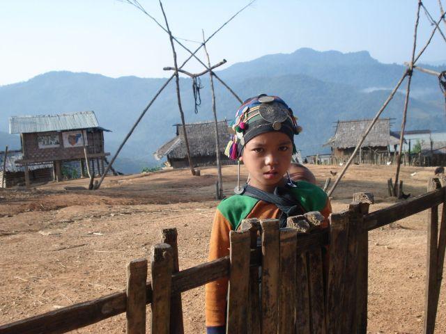 Zdjęcia: Plemie Akha, dziewczynka z Akha, LAOS