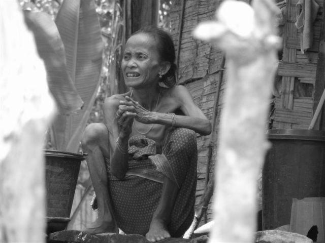Zdjęcia: Wioska na południe od Pakse, Champa, Kobieta Laos, LAOS