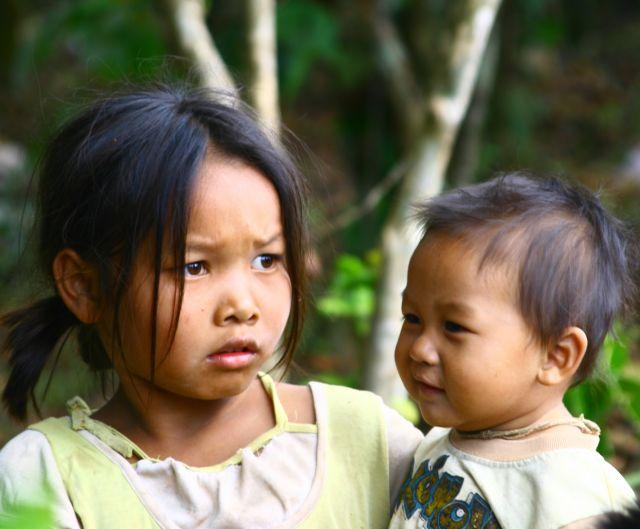Zdjęcia: Płaskowyż Bolaven, Dzieci z plantacji kawy, LAOS