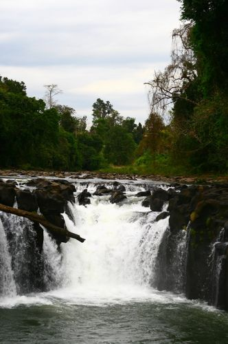 Zdj�cia: P�askowy� Bolaven, I kolejny wodospad Bolavenu, LAOS