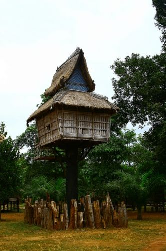 Zdj�cia: skansen-p�askowy� Bolaven, Samotnia dla kobiet, LAOS
