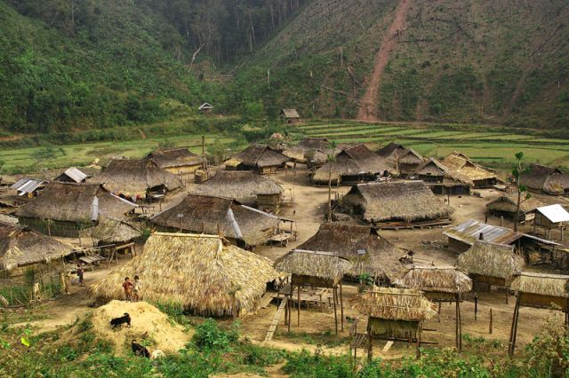 Zdjęcia: MUANG SING   Wioka          plemie   AKHA, AKHA 6, LAOS