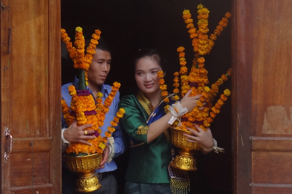 Zdjęcia: Nong Khiaw, para młoda, LAOS