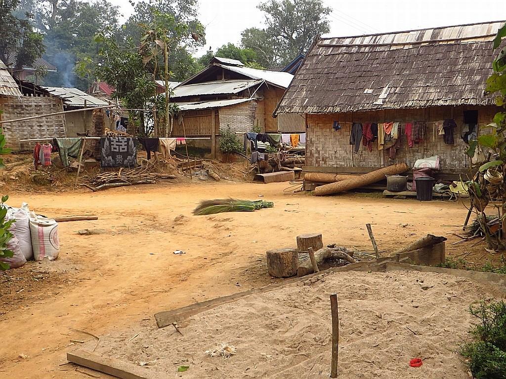 Ban That Laos  city images : Zdjęcia: wioska Ban Hat Sao, Laos północny, wiejska zabudowa, LAOS
