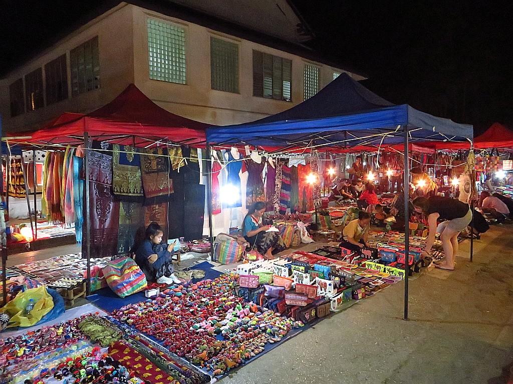 Zdjęcia: Luang Prabang, Laos północny, nocny targ, LAOS