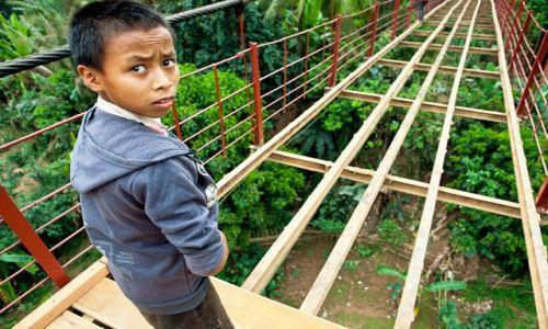 Zdjecie LAOS / - / Muang Khua / Most