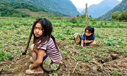 LAOS / - / okolice Muang Ngoi Neua / Krabokopanie
