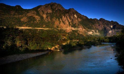 LAOS / Vangvieng / 70km na polnoc od Vangvieng / w gorach Laosu