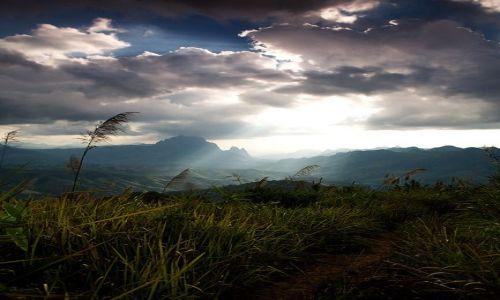 Zdjecie LAOS / Luangprabang / Vieng Kham / w gorach Laosu