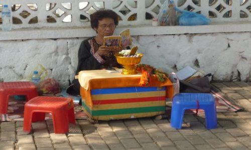 Zdjecie LAOS / Vientian / Vientian / Laotańska Pani Wróżka
