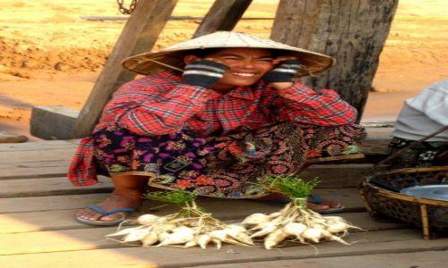 Zdjęcie LAOS / Laos / Champasak / Pani sprzedawczyni