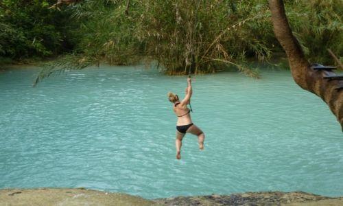 Zdjecie LAOS / Luang Prabang / Kouang Si Waterfall / nie samym watem człowiek żyje...