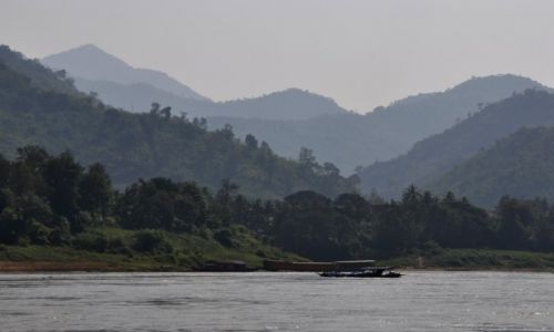 Zdjecie LAOS / północny Laos / rzeka Mekong / Pejzaż nad Mekongiem