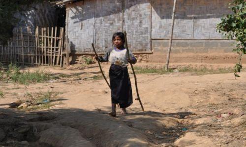 Zdjęcie LAOS / północny Laos / wioska przy Mekongu / W wiosce