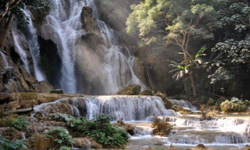 LAOS / północny Laos okolice Louangphrabang / Wodospad Kuang Si / Wodospad