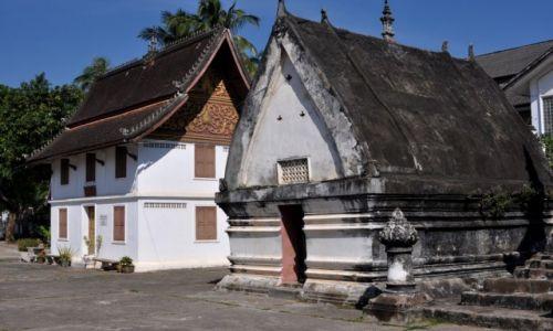 Zdjęcie LAOS / północny Laos / Louangphrabang / Zabudowania Wat Mai