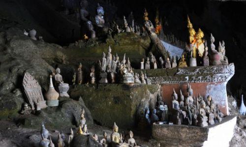 Zdjęcie LAOS / północny Laos / Nad Mekongiem / W jaskini