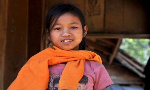 Zdjęcie LAOS / północny Laos / wioska przy Mekongu / Dziewczyna