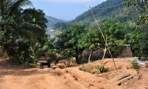 Zdjecie LAOS / północny Laos / wioska nad Mekongiem / Wioska