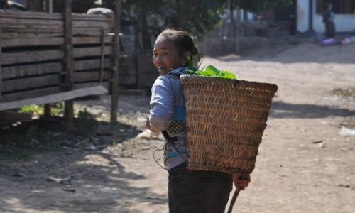 Zdjecie LAOS / północny Laos / wioska nad Mekongiem / W wiosce