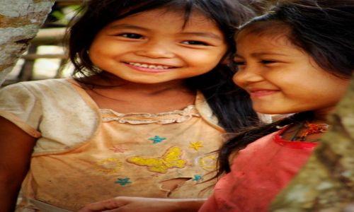 Zdjecie LAOS / Północ / okolice Nong Khiaw / Radość